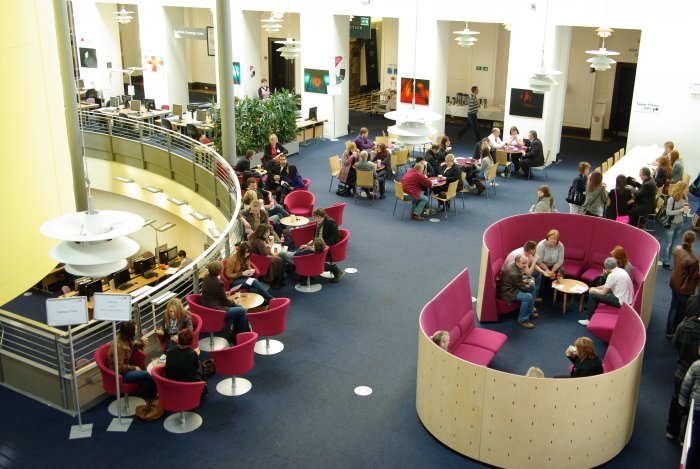 Visitors in Craiglockhart Foyer, Undergraduate Open Day 2009