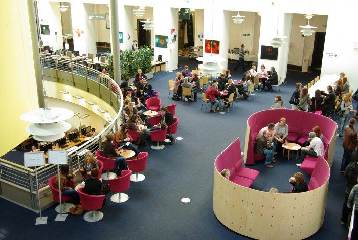 Visitors in Craiglockhart Foyer, Undergraduate Open Day 2009